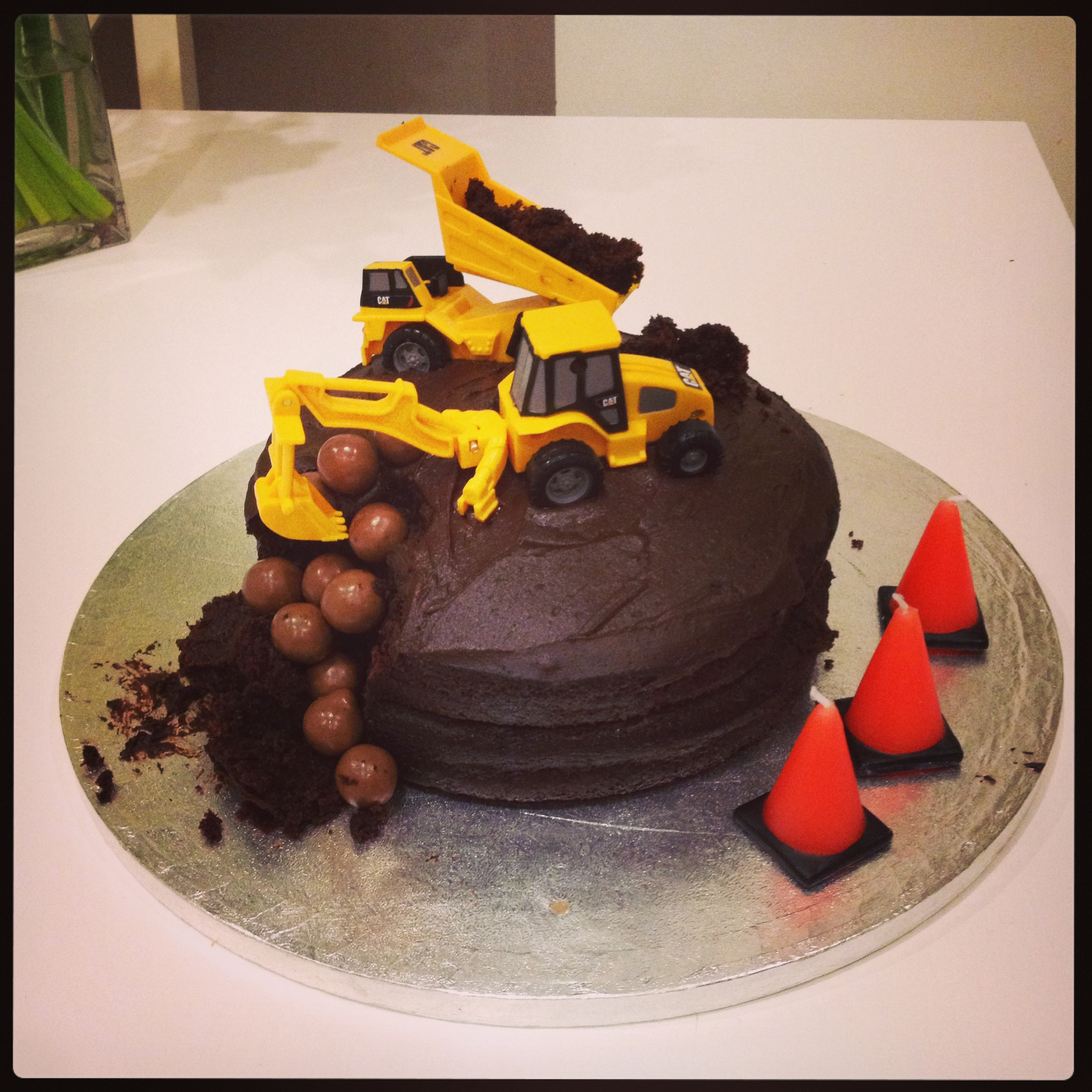 Surprising Easy Digger Birthday Cake The Spirited Puddle Jumper Funny Birthday Cards Online Elaedamsfinfo